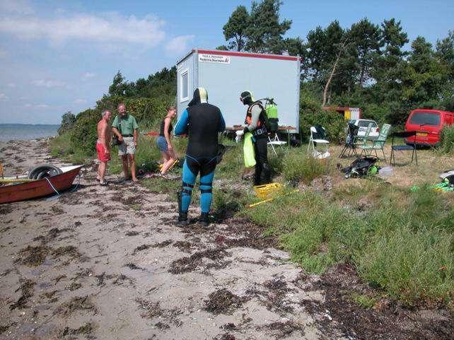 Gravelejren var indrettet tæt på stranden ved Ronæs Skov